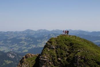 Wandelaars op de Diedamskopf