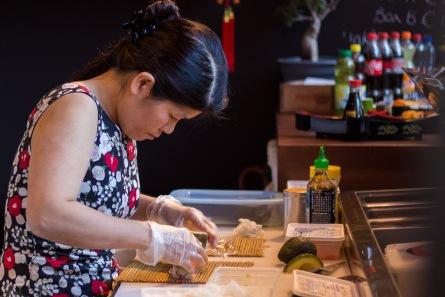 Sushi in de maak