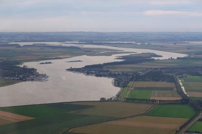 Veerse Meer met jachthavens Kortgene (links) en Wolphaartsdijk (rechts)