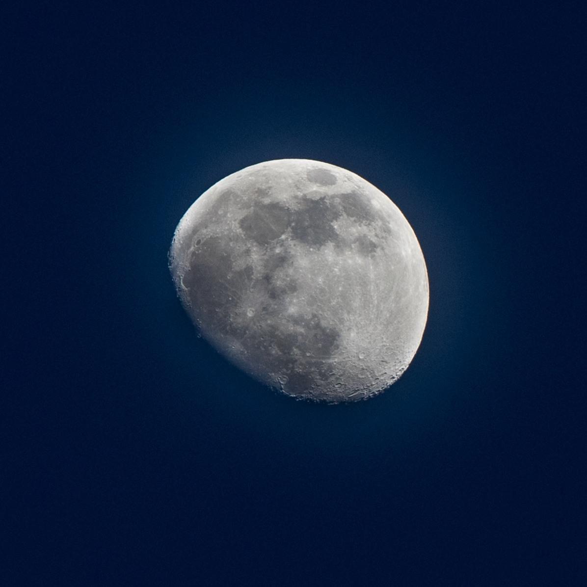 Dag 27 vanaf volle maan. 17-03-2019 Tijdstip 20.06 Maanopkomst 13.54 Maanondergang 05.12 (Maan 27) Muzieknummer van dag 27: Luna, Allesandro Safina Annemarie Joziasse-de Boer